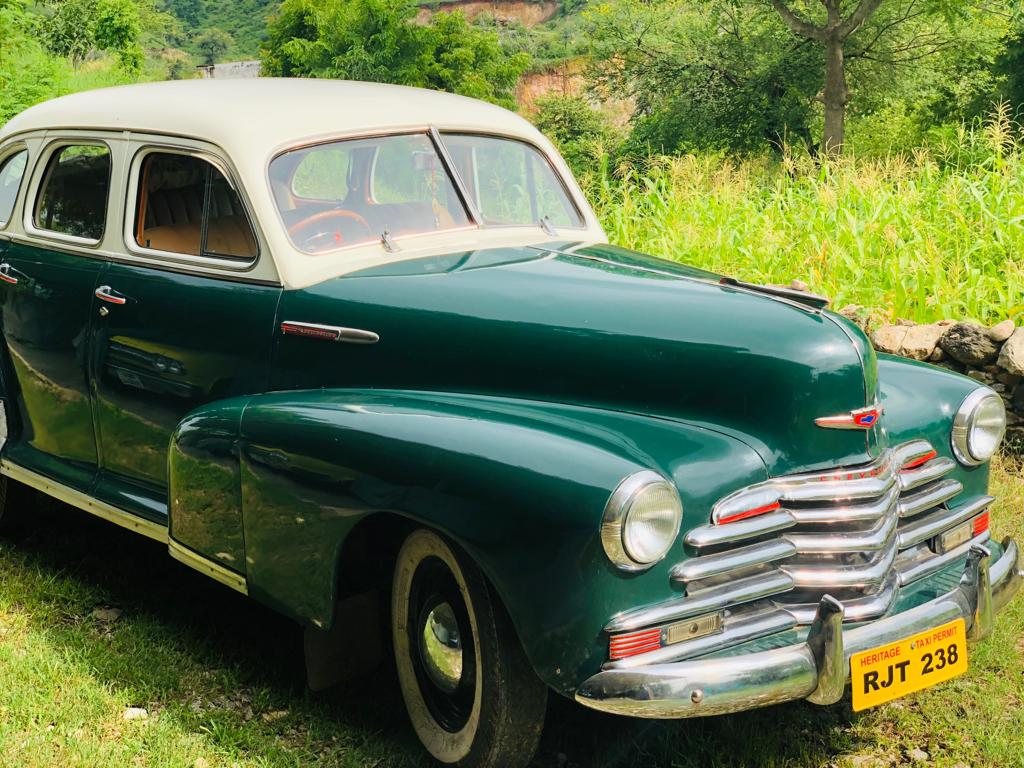 hire classic cars udaipur